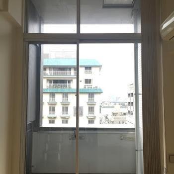 一面窓も開放感があって素敵です