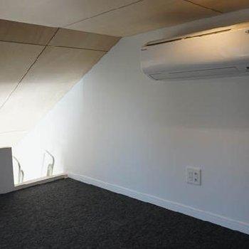 天井低い、ですが妙に落ち着く空間です。※写真は前回募集時のものです