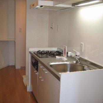 綺麗なキッチンです。※写真は別部屋です