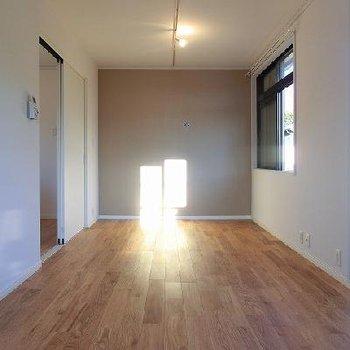 風とおりの良い、素敵なお部屋に。※写真は別部屋