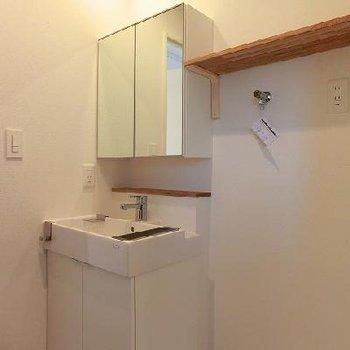 洗面台も新設※写真は別部屋