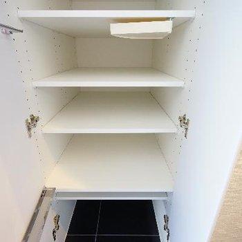 下駄箱はこんな感じ。