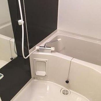 お風呂には追い焚きと浴室乾燥も※写真は別部屋です
