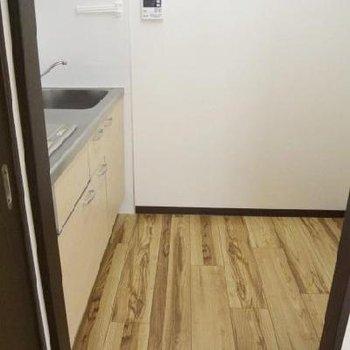 キッチンの広さはこのくらい※写真は302号室