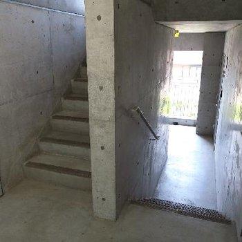 階段で3階まで!