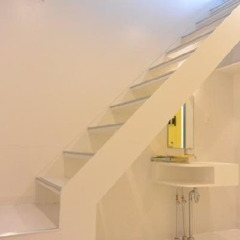 部屋へ続く階段
