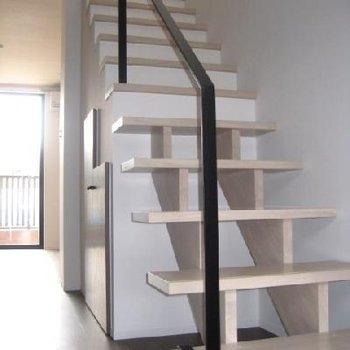 白い階段、お城みたい。