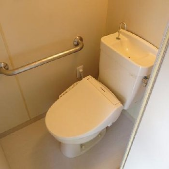 トイレもウォシュレットつき!