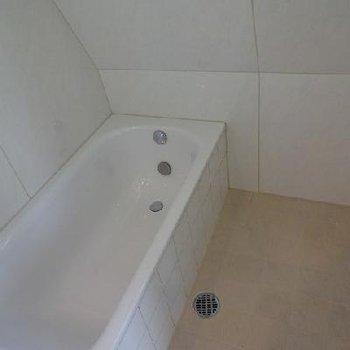 お風呂までカッコイイとは...※写真は別部屋です