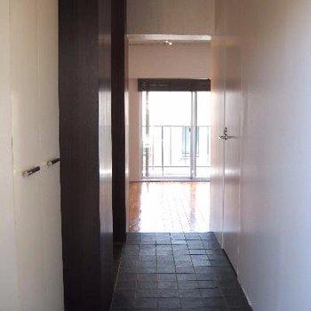 玄関入ってすぐの眺め