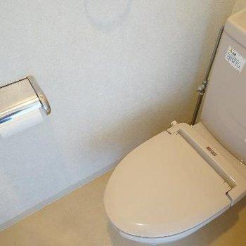 トイレはウォシュレットはありません。