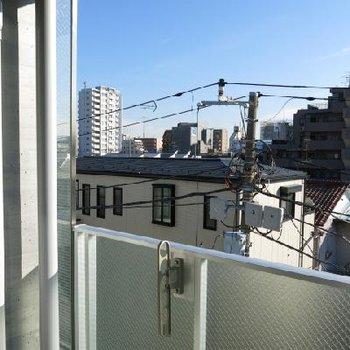 ベランダからの眺め。※写真は別室からの眺望