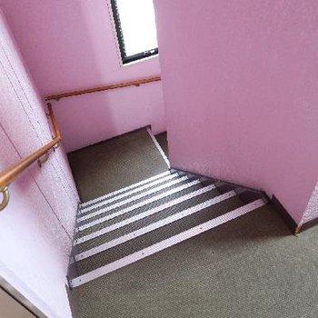 階段で4階まで!頑張りましょ!