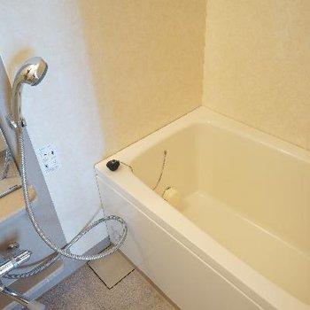 お風呂も機能的です♪