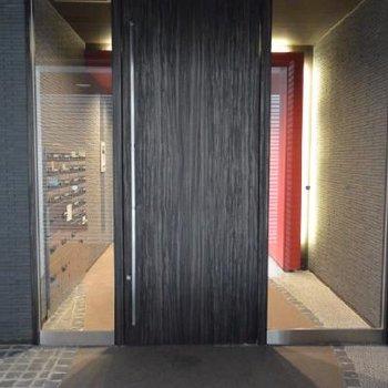 ワクワクする建物入口