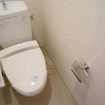 こちら1階のトイレです。