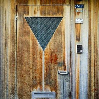かっこいい玄関扉。。