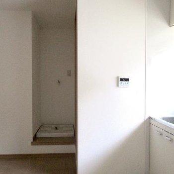 室内に洗濯機スペースがあるのは嬉しいですね。