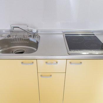 洗剤とスポンジ置場は便利です。