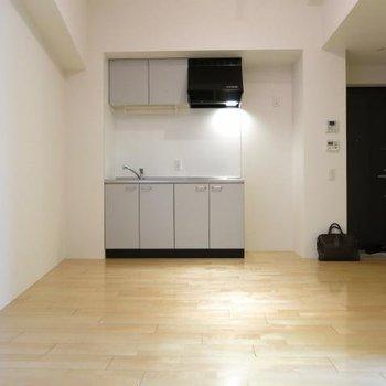 システムキッチンありますよ! ※写真は同間取り別部屋です