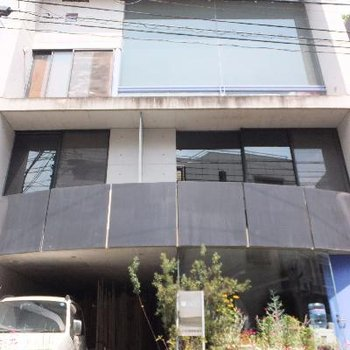 2階に右側が203号室