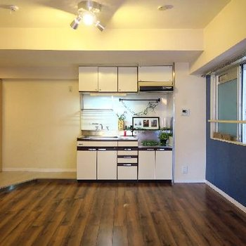 キッチン周りもゆったりめですね。