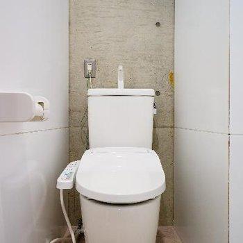 トイレもシャキっと機能的!