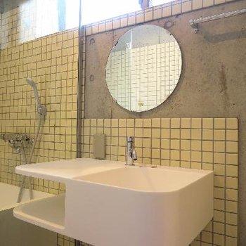洗面台の不思議な雰囲気に魅せられる。