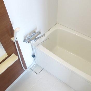 浴室も清潔感があってきれい*