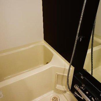 お風呂も追い焚き&乾燥機付き!