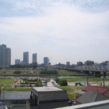 眺望です!!二子玉のヒルズたちと多摩川。都会のオアシスとはこのことか。