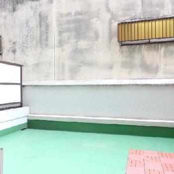 この緑の塩ビが昭和の感じよね