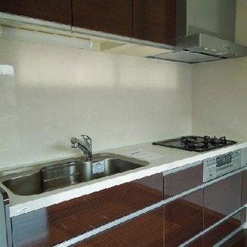 使いやすいキッチン※写真は別部屋