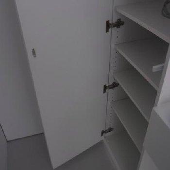 入り口には下駄箱有り。※写真は前回募集時のものです