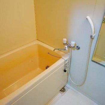 お風呂は追い焚き付きが嬉しい!※写真は前回募集時のものです
