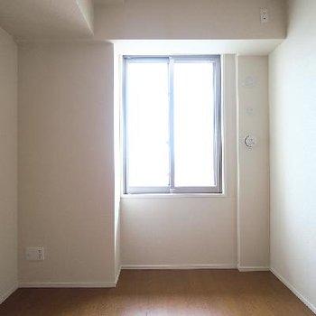 寝室はこちらですね。