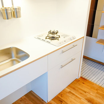 キッチンはTOMOSオリジナル2口!※写真は前回募集時のお写真です