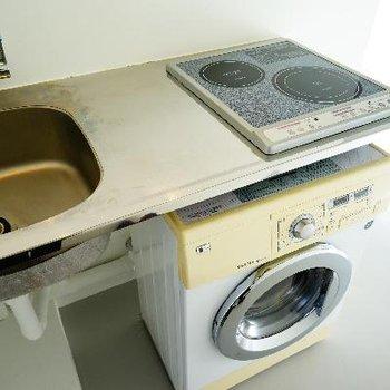 キッチンの下には洗濯機をチョイス。