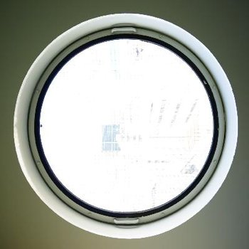 やっぱり窓に目が行きます。