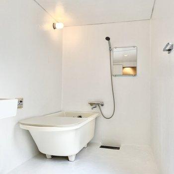 このお風呂の空間、すごくいいなあ。