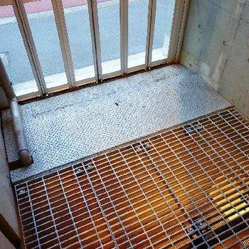 バイク置き場として使える玄関横のスペース!