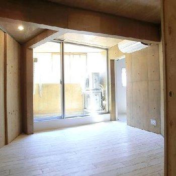 開口部が大きい。※写真は同じ間取りの別部屋です。