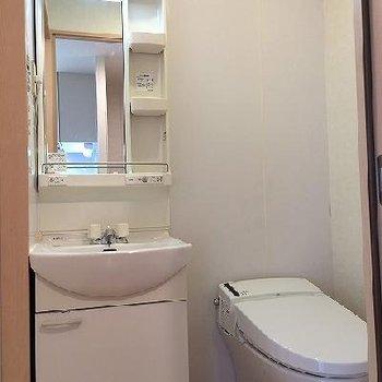 タンクレストイレ!※写真は別部屋です