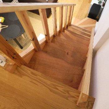 階段だってもちろん無垢!