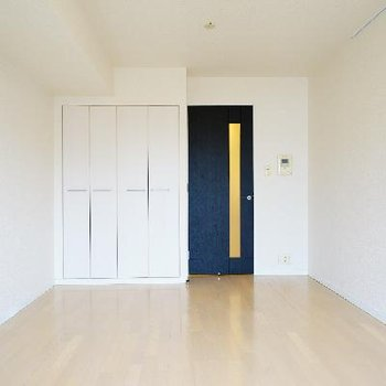 使いやすい長方形のお部屋です。