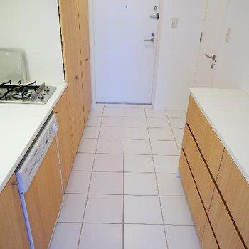 キッチンも2口ガスでお洒落なデザイン!