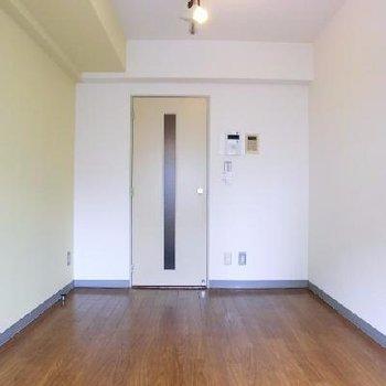 お部屋は一人暮らしに十分な広さです