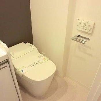 洗面台と併設です。