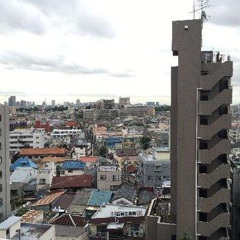 10階の眺望は圧巻です。首都高見下ろせます