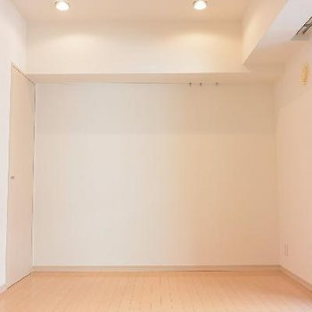 お部屋。シンプル(※画像は406号室のものです)